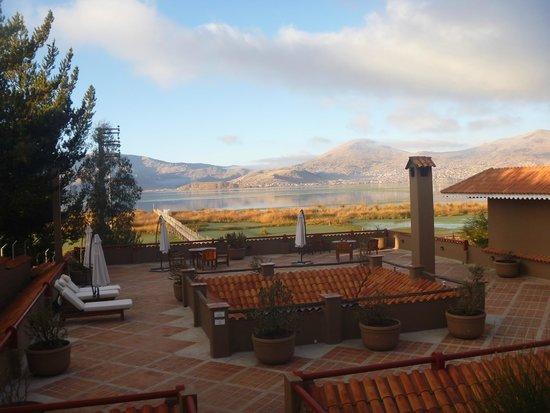 Casa Andina Premium Puno: Terraza con vista al lago