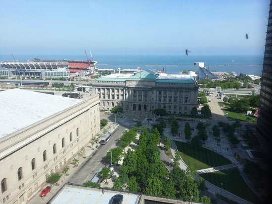 The Westin Cleveland Downtown: Stadium, rock & roll hall of fame & lake view.