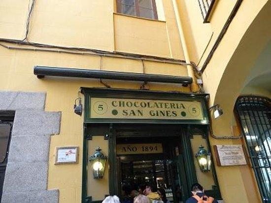 Chocolatería San Ginés: お店外観