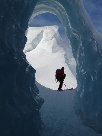Southern Alps Guiding: Ice Cave Tasman Glacier Skiing - Photo Charlie Hobbs