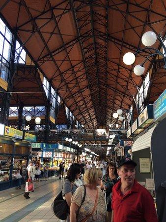 Central Market Hall: Corredor central do mercado