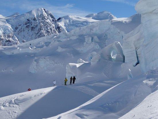 Southern Alps Guiding: Ice Fall Tasman Glacier Skiing - Photo Charlie Hobbs
