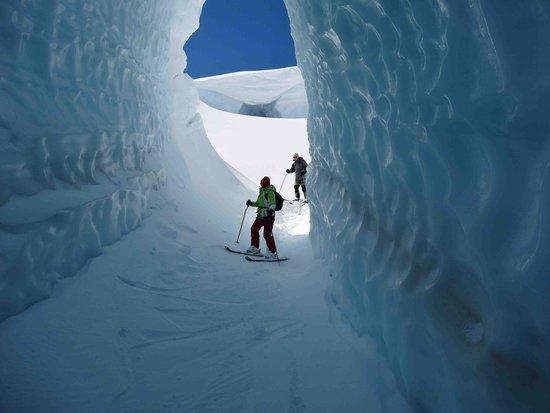 Southern Alps Guiding: Ice Caves Tasman Glacier Skiing - Photo Charlie Hobbs