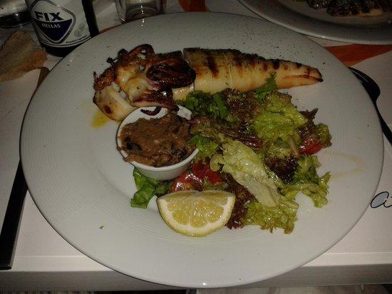 Avli Tou Thodori: calamaro alla griglia