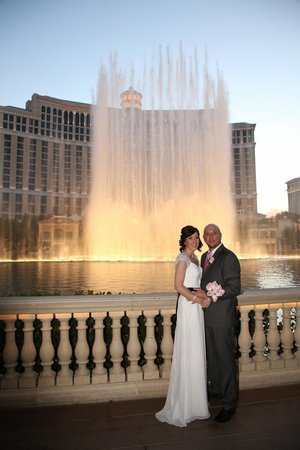 Scenic Las Vegas Weddings Chapel: The Bellagio Fountain