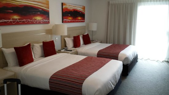 Jephson Hotel: twin room with queen beds