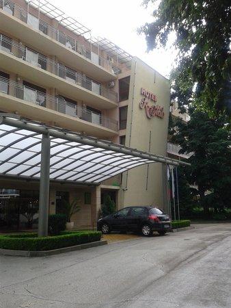 Kristal Hotel : Już sam widok  robi przygnębiające wrażenie