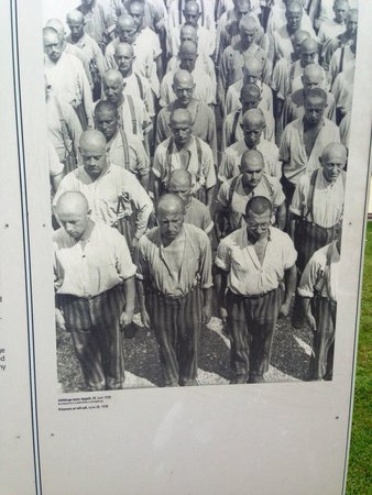 KZ-Gedenkstätte Dachau: Old picture of the men lined up