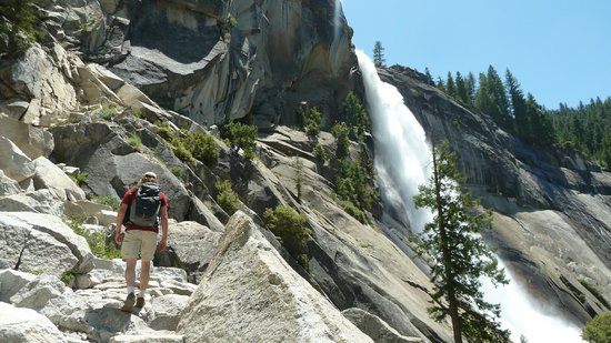 YExplore Yosemite Adventures - Day Tours : Nevada Falls