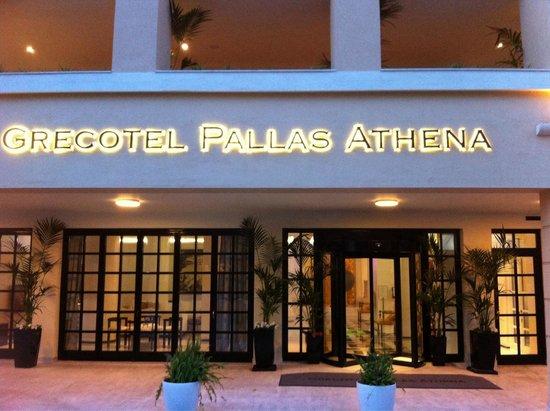Pallas Athena Grecotel Boutique Hotel: Entrance of hotel