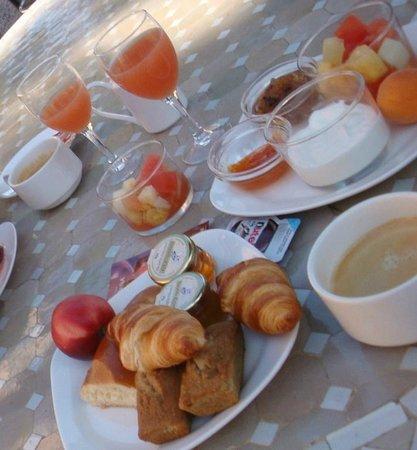 Hotel Les Jardins du Cedre : Petit-déjeuner