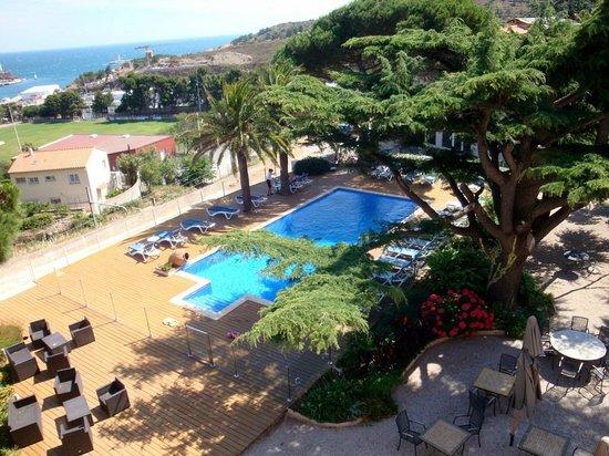 Hotel Les Jardins du Cedre : Vue de la chambre (piscine)