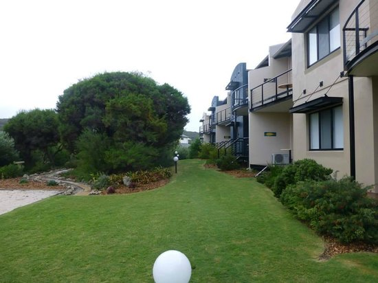 Margarets Beach Resort: Resort grounds