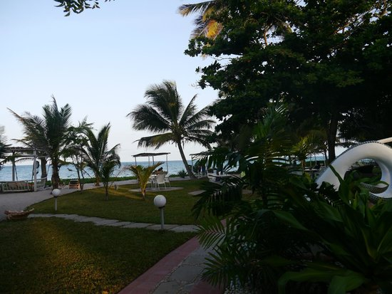 The Maji Beach Boutique Hotel: Morning