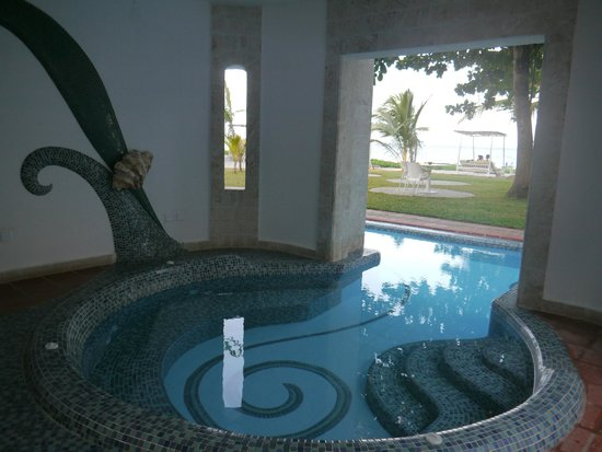 The Maji Beach Boutique Hotel: Pool