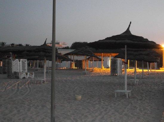 Hotel Marhaba: beach at dusk