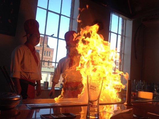 Siam Thai & Teppanyaki Restaurant : Flames