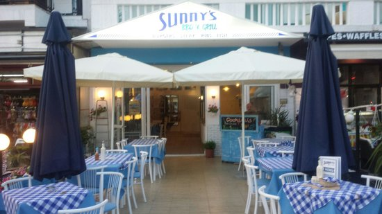 Sunnys BBQ & Grill: Great restaurant, amazing english food! Friendly staff x