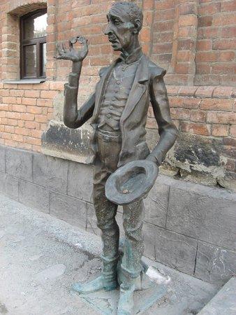 Sculpture Ostap Bender i Kisa Vorobyaninov