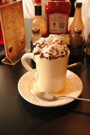 HUCK FINN'S CAFE BREAD PUDDING