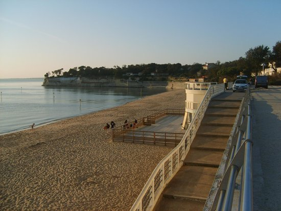 Le Phare : PLAGE OUEST