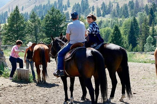 Diamond D Ranch: Riding with friends the day beofre the wedding