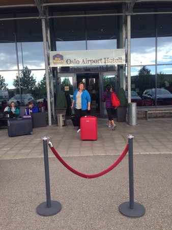 Best Western Oslo Airport Hotell : In front