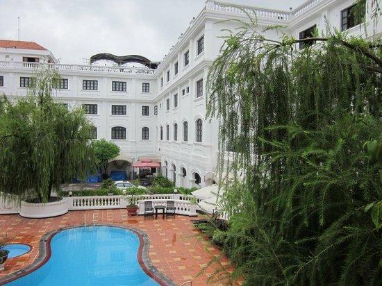 Hotel Saigon Morin: French style