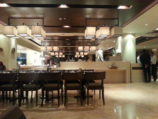 The Lalit New Delhi : lalit  'inside restaurant'