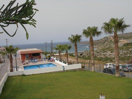 Camari Garden Apartments: DALLA RECEPTION