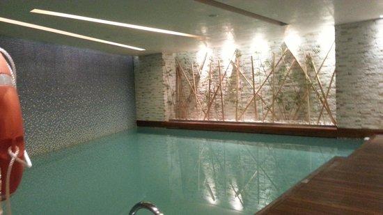 DoubleTree by Hilton Istanbul - Moda: indoor swimmingpool
