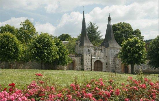 Auberge de L'Abbaye : entrée cochère de l'abbaye