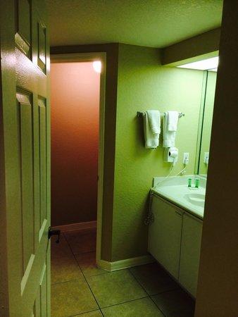 Westgate Lakes Resort & Spa: Bathroom