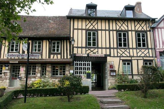 Auberge de L'Abbaye : façade de l'auberge