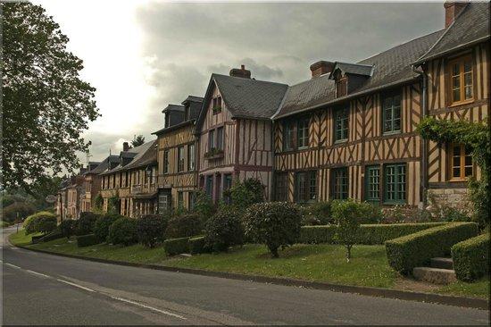 Auberge de L'Abbaye : Place Guillaume le Conquérant