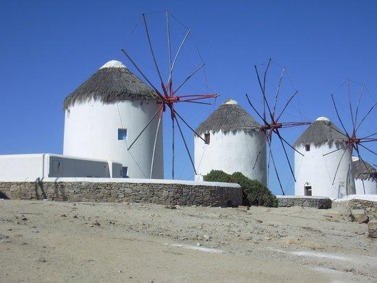 Mykonos Kosmoplaz: windmills in mykonos