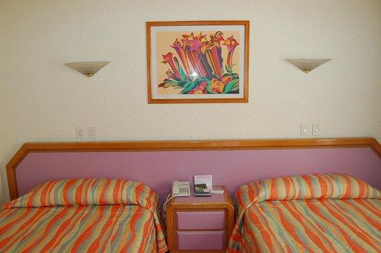 Hotel Casa Blanca Mexico City: кровати