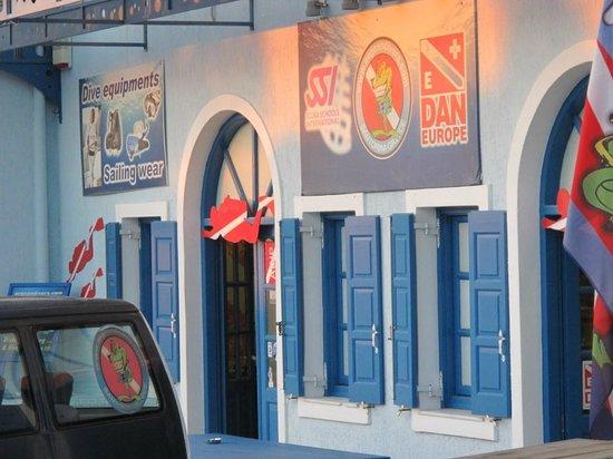 Aegean Divers Dive Center - Day Excursions: dive center