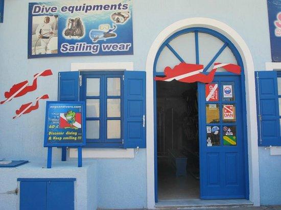 Aegean Divers Dive Center - Day Excursions: Dive center entrance