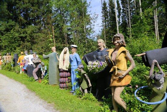 "Parikkala, Finland: ""Мистический лес Patsaspuisto"""