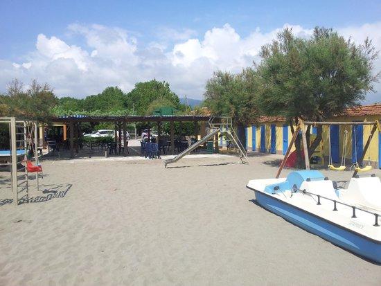Bagno Ambra: spiaggia - giochi per bambini