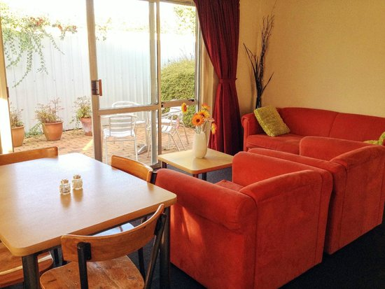 Ann's Volcanic Rotorua Motel and Serviced Apartments : Bright and warm!