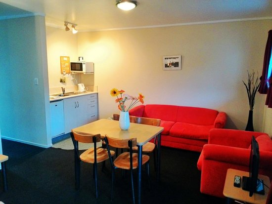 Ann's Volcanic Rotorua Motel and Serviced Apartments : bright and warm