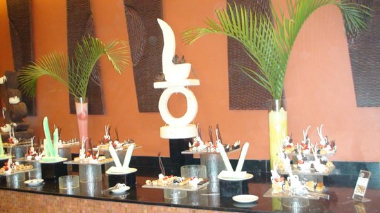 Barcelo Bavaro Palace Deluxe: Ресторан отеля