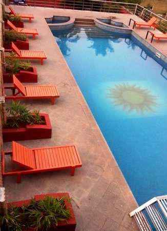 Soorya beach resort pondicherry hotel reviews photos rate comparison tripadvisor for Cheap hotels in pondicherry with swimming pool