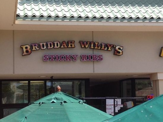 Bruddah WIlly's Sticky Ribs : bruddah willy's from the street