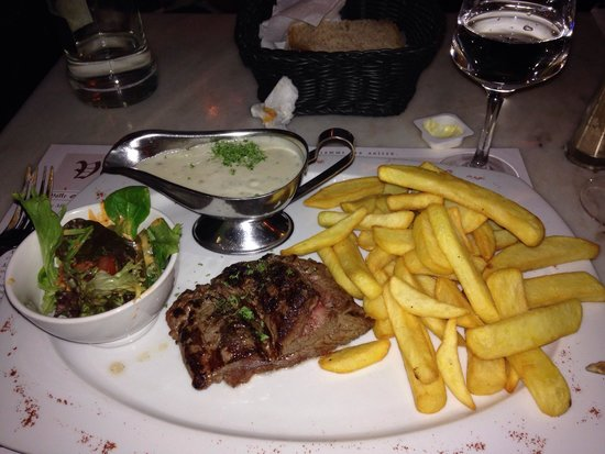 Le Volle Gas: Steak with blue cheese sauce