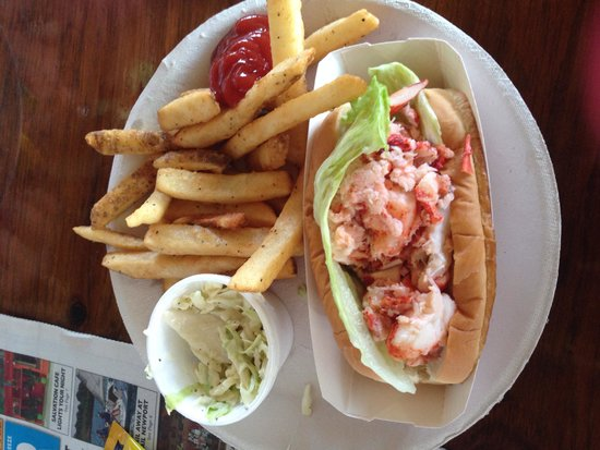 Flo's Clam Shack : Lobster Roll