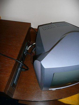 Dekelia Hotel: alter TV der es zudem nicht tat ... ärgerlich