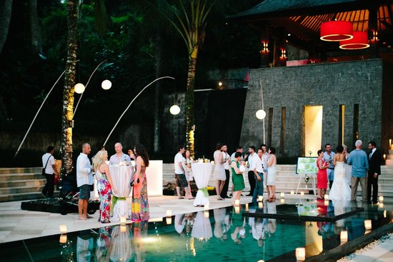 Villa The Sanctuary Bali: Partying by the pool